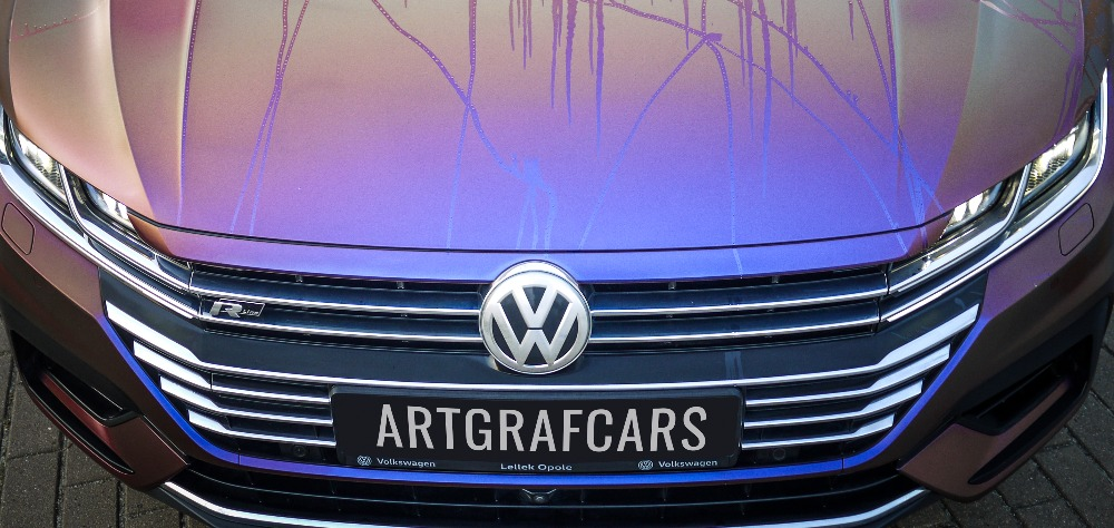 Avery nowa technologia w foliach samochodowych